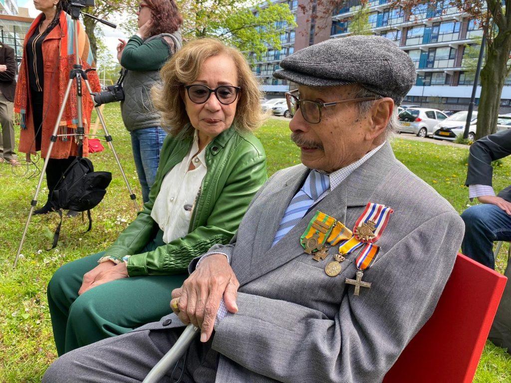103-jarige veteraan Petrus Pieter de Kock met dochter Irene Luongo