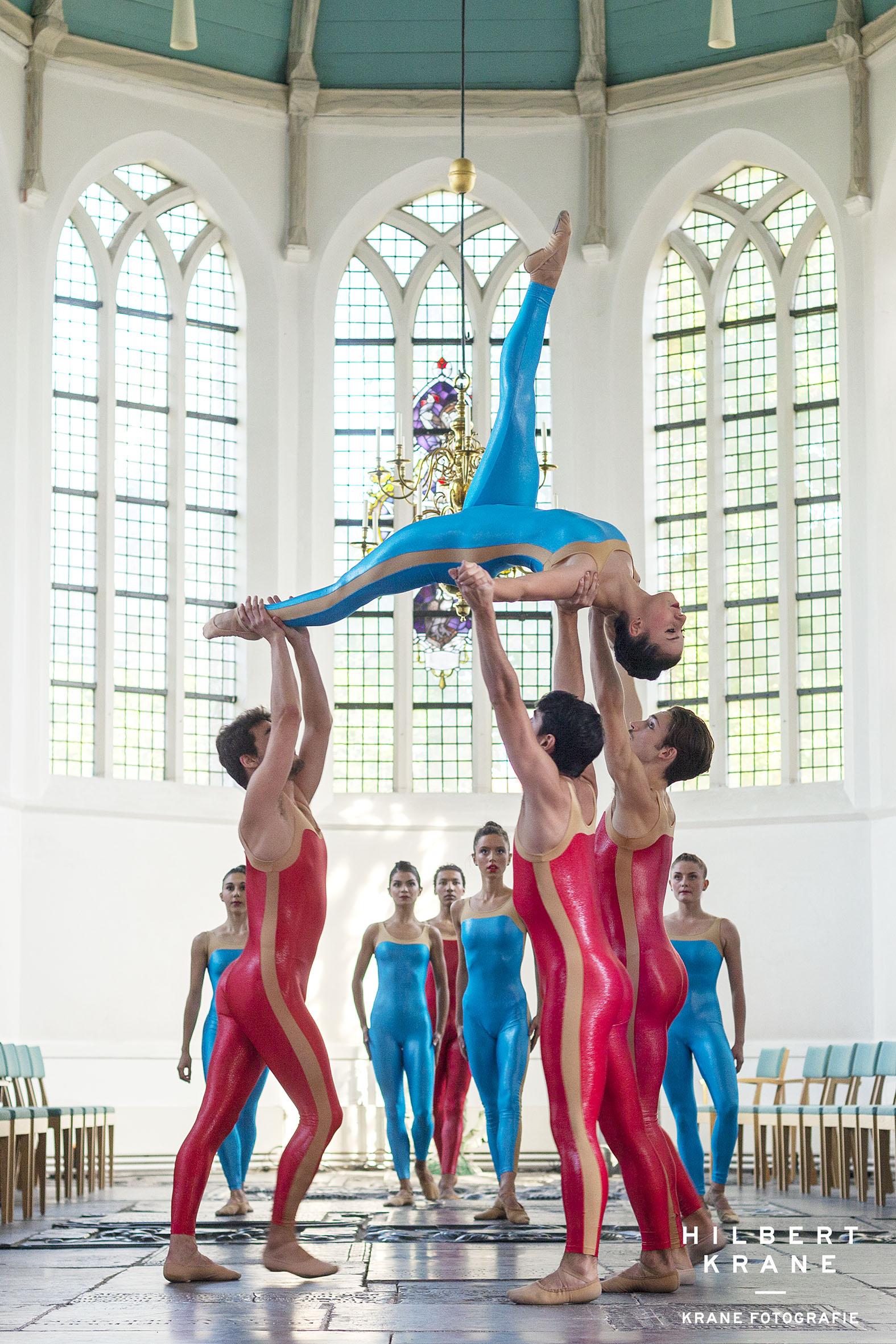 Voorburg, 14 september 2019 Het huygensfestival in de oude kerk in het Huygenskwartier te Voorburg De Dutch Don't Dance Division dans op muziek van Aart Bergwerff (orgel)