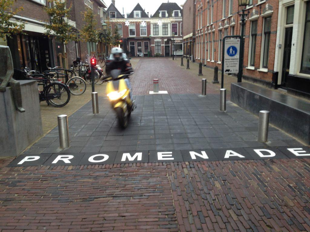 Herenstraat scooter IMG_6189