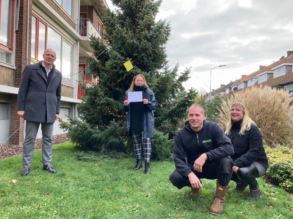 Overhandigen vergunning kerstboom