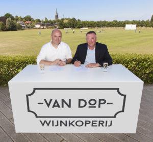 Wijnkoperij Van Dop ondertekening