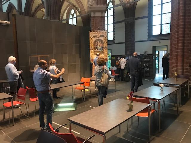 kerk binnen IMG_1650