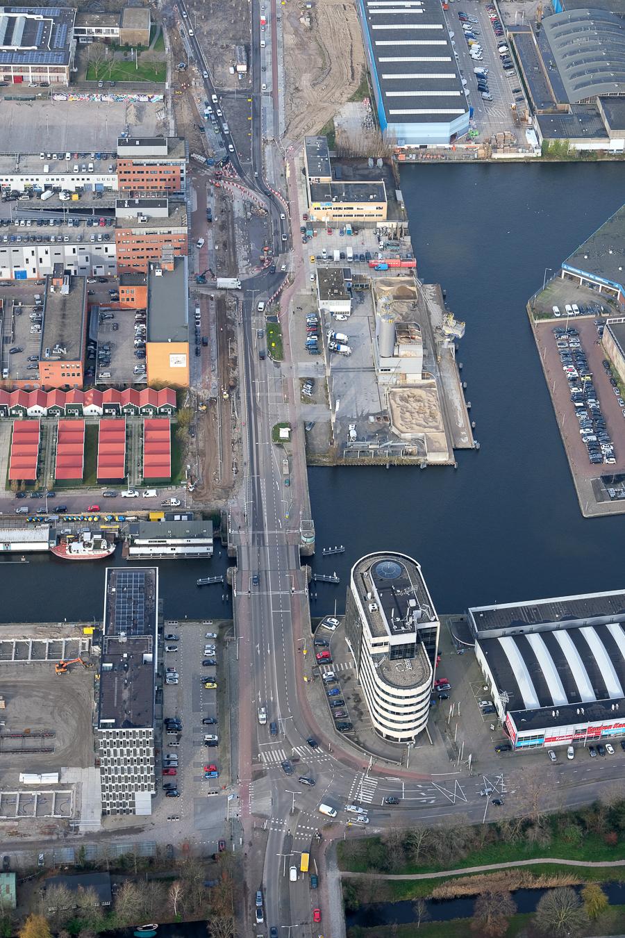 luchtfoto persbericht 2020-04-21 luchtfoto kruising Binckhorstlaan-Maanweg - fotograaf Peter van Oosterhout